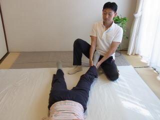 『しんそう池袋西口』施術の流れ(足の調整)